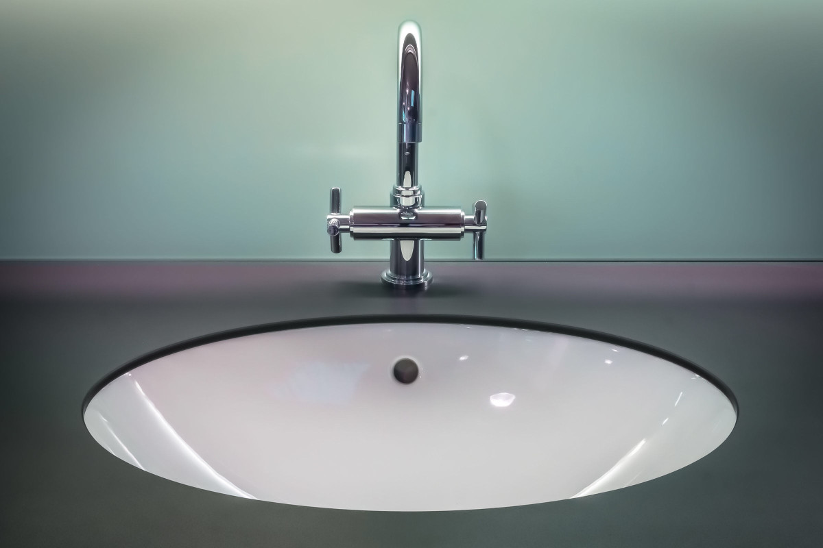 Girls claim that hallway bathroom needs improvement