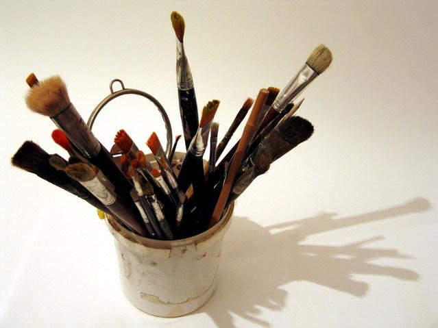 Happy Little Life: Pick up a paintbrush