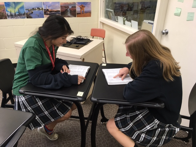 Seniors mentor lower classmen during Bible studies